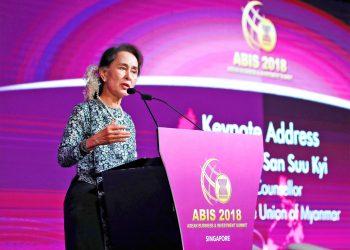 Daw Suu pitches Myanmar to ASEAN